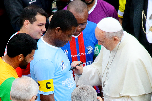 Benedetta dal Papa la Clericus Cup. In finale si gioca l'altro derby del Cupolone