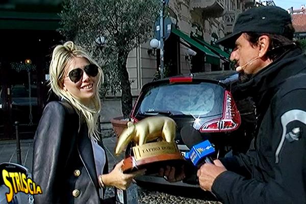 Striscia La Notizia, Tapiro D'Oro a Wanda Nara. Cos'è successo alla consegna?