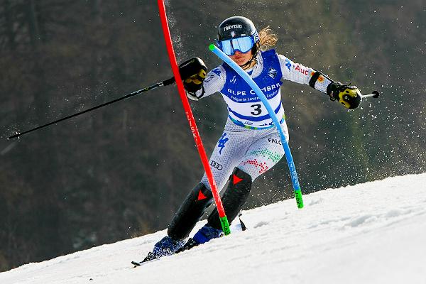 A Folgaria primo successo per la Guest. Alla Della Mea la Coppa Europa di slalom
